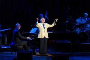 Tony Bennett wows the Ravinia Festival day after his 91st birthday. Photo by Pedro de Jesus for Ravinia.