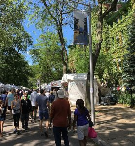 57 Street Art Fair is in the Hyde Park neighborhood.
