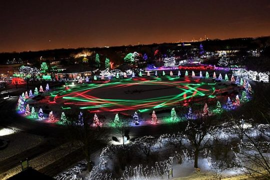 Enjoy Brookfield Zoo at Night during Holiday Magic (CZS photo)