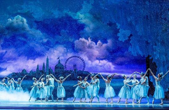 The Joffrey Ballet in The Nutcracker at the Auditorium Theatre. (Photo by Cheryl Mann)