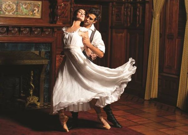 Joffrey Ballet dancers Victoria Jaiani and Alberto Velazquez. (Photo by Cheryl Mann at The Richard Driehaus Museum)