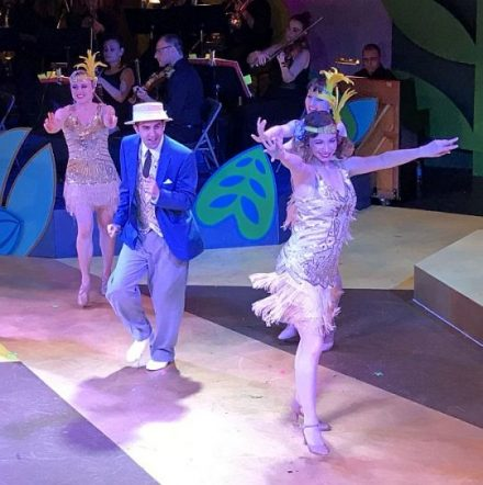 Jimmy Fox (Ryan Trent Oldham) and Bessie Worthington (Teaira Burge) with dancers. (Photo courtesy of Folks Operetta)